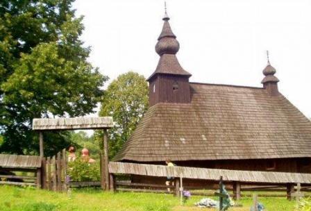 dreveny kostolik