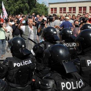 Slovenska-Pospolitost-prostest-august-2009-TASR-policia-zasah